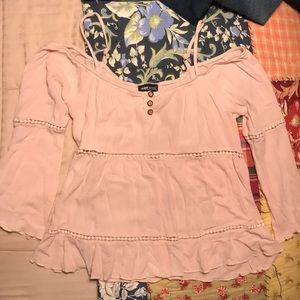 💞super cute wet seal cropped top💞